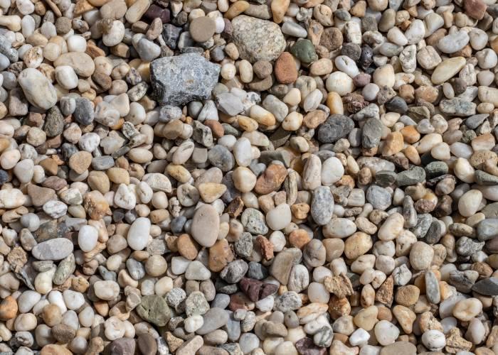 landscaping using pea gravel